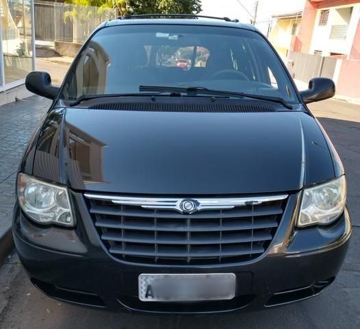Chrysler Grand Caravan SE 3.3 V6 - Segundo dono- Placa A- Leiam - Foto 8