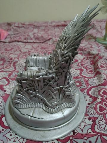 Trono de ferro de game of thrones - Foto 2