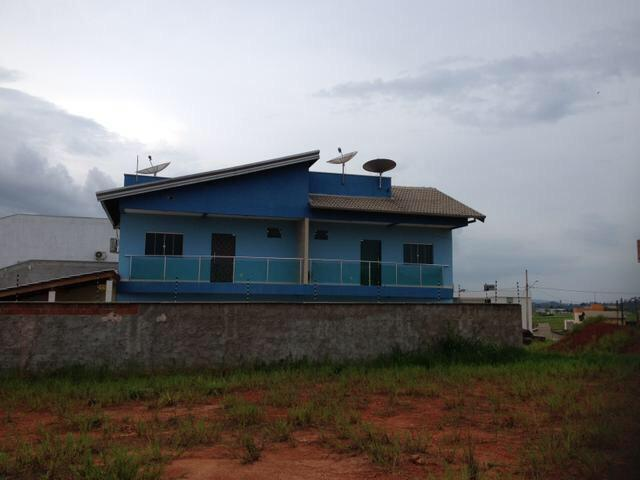 Vende-se imóvel com 2 casas geminadas - Foto 14