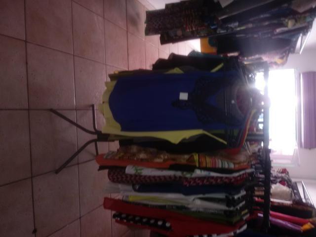 Tenho roupas pra quem vai abrir um bazar - Foto 2