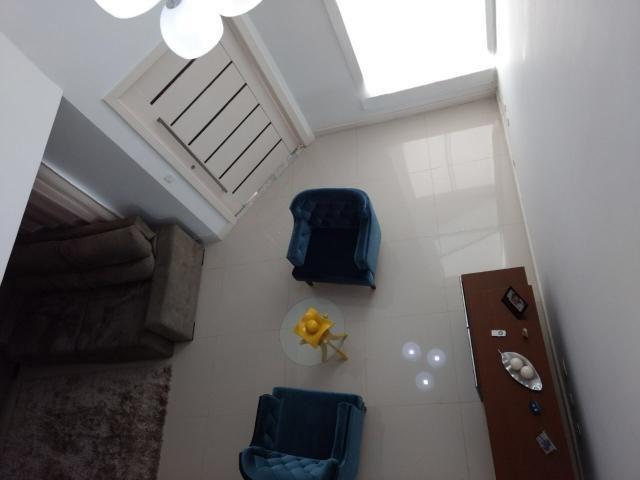 Linda casa em Itaipu com três suítes ampla sala, piscina, churrasqueira - Foto 5