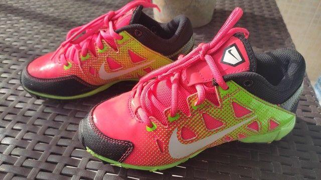 Chuteira Nike Semi Nova - Foto 4