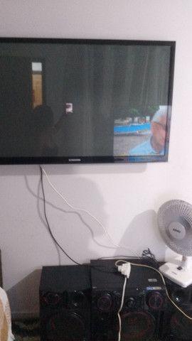 TV Samsung 650 rak100 cadeiras cada 150nova  - Foto 2