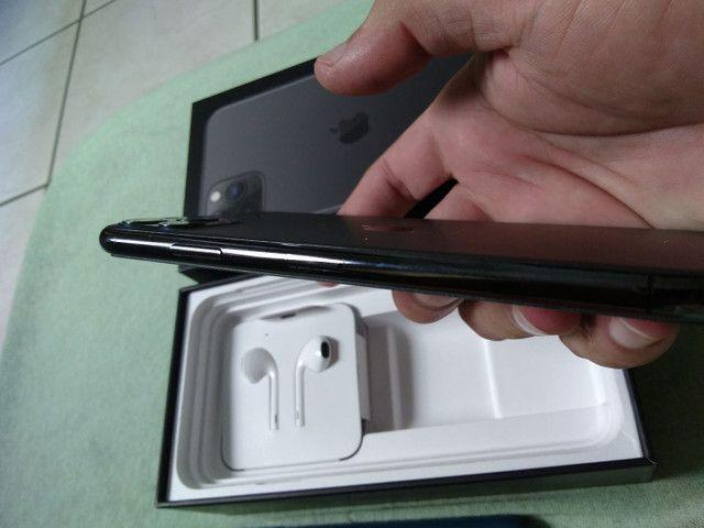 Vendo ou troco iPhone bateria 100% 11pro max 64g  R$ 6.000 - Foto 3