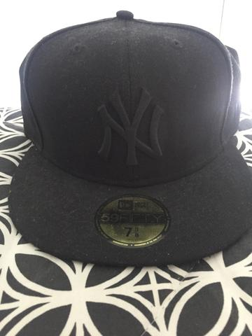 Boné New Era Yankees Preto 7 3/8