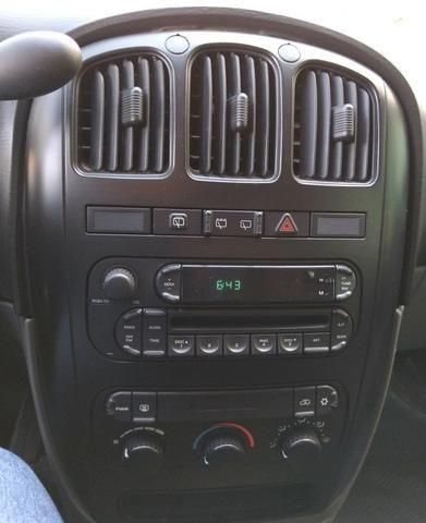 Chrysler Grand Caravan SE 3.3 V6 - Segundo dono- Placa A- Leiam - Foto 9