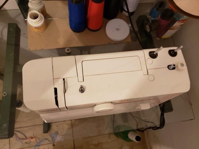 Maquina de costura - Foto 5