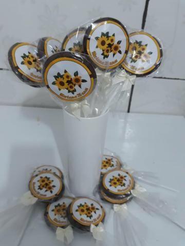 Pirulitos de chocolate R$ 0,90 com adesivo personalizado ENTREGA GRÁTIS - Foto 2