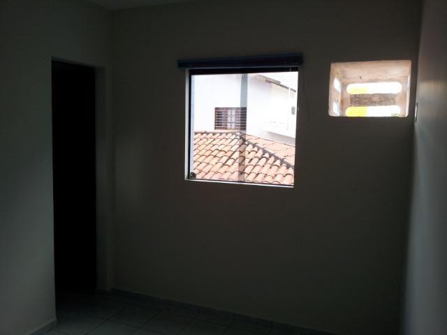 Apartamento de 2 dormitórios com DUAS vagas de garagem, oportunidade - Foto 7