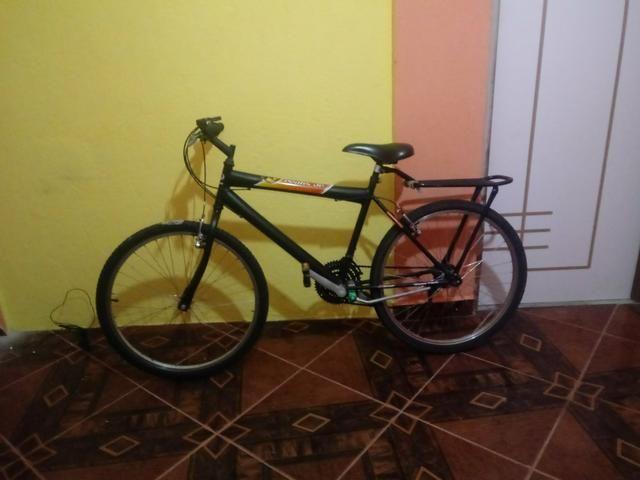 Vendo uma bicicleta semi-nova da Caloi 200 - Foto 2