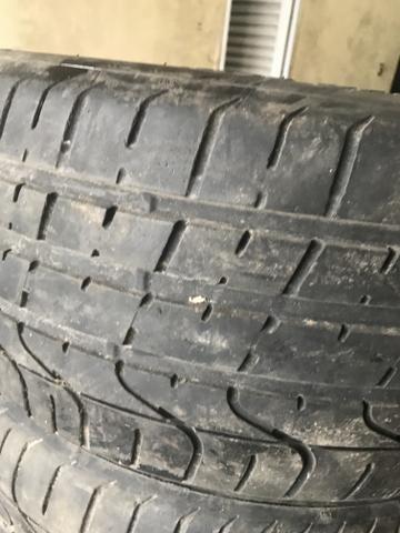4 pneus 235 40 18 SEMI NOVOS 90% DE BORRACHA RUNFLET - Foto 5