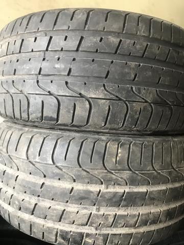 4 pneus 235 40 18 SEMI NOVOS 90% DE BORRACHA RUNFLET