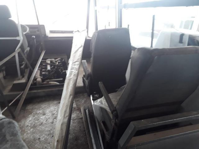 Vendo ou troco micro onibus - Foto 3