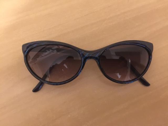 1ab307d74 Óculos De Sol Vintage Retrô Feminino Estiloso Impecável Ótimo Estado  Barbada Impecável !