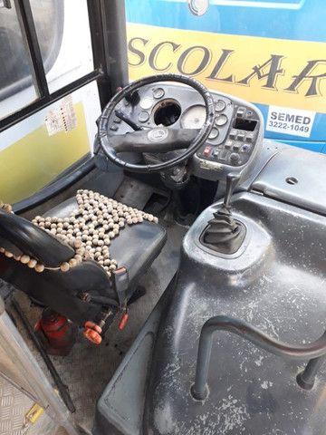 Onibus urbano escolar. Um MWM 16180 2003 e um MB 2003 - Foto 6