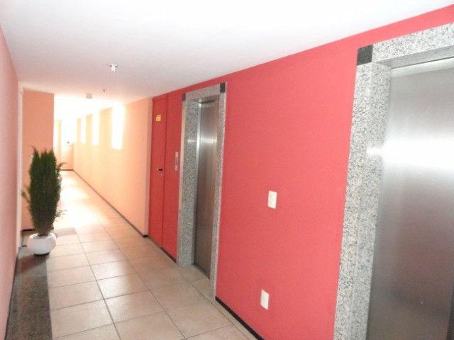AP0151 - Apartamento com 3 dormitórios para alugar, 70 m² por R$ 1.550/mês - Meireles - Foto 4