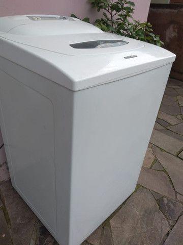 Maquina de lavar roupas seminova, pintura nova - Foto 3