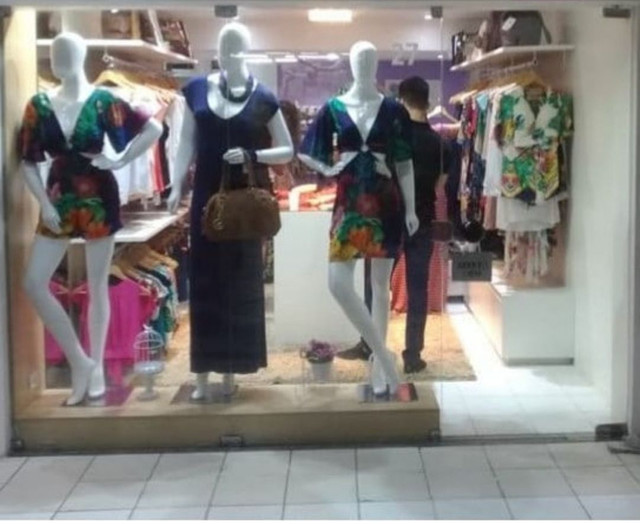 Estrutura pra loja de roupas