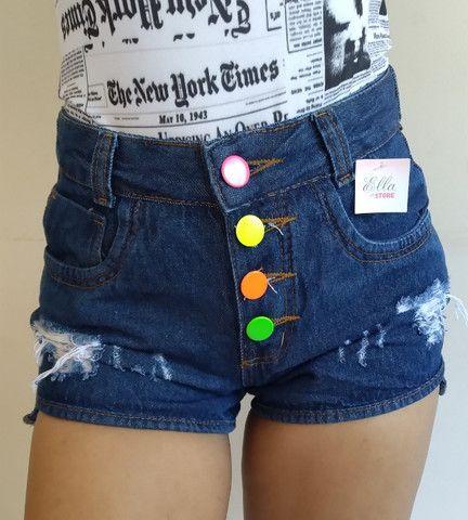 Short Jeans botões coloridos  - Foto 4