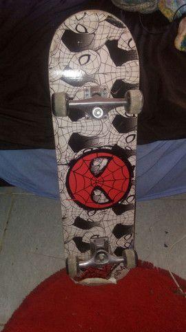 Skate do homem aranha