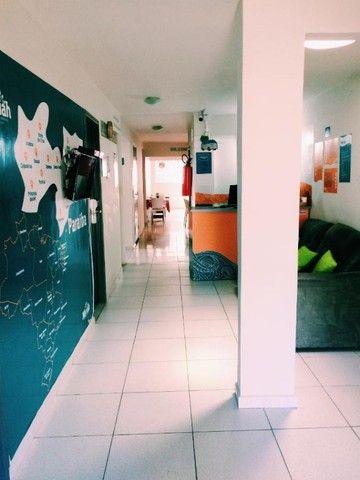 Suites individuais com tudo incluso - 2 ruas da praia  - Foto 2