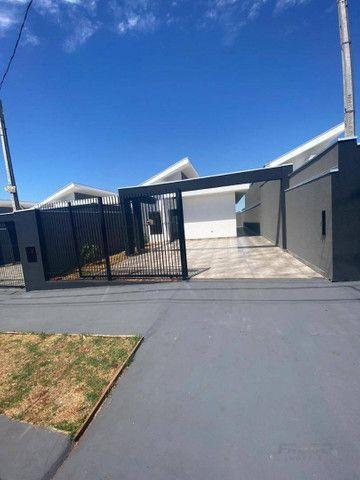 Casa com 2 dormitórios à venda, 56 m² por R$ 220.000,00 - Loteamento Madrid - Maringá/PR