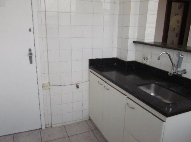 Apartamento 02 qts, 01 vaga no coração eucarístico - Foto 6