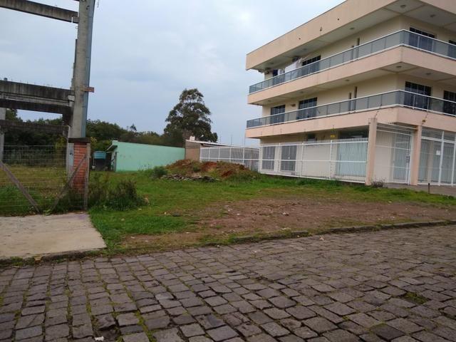 Vendo terreno no Bairro Fátima 210.000