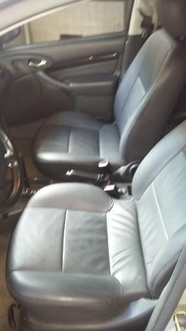 Focus Ghia sedan automático com teto solar - Foto 4