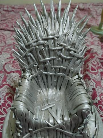 Trono de ferro de game of thrones - Foto 3