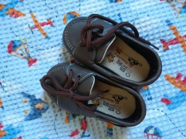 Sapato bebê tamanho 18