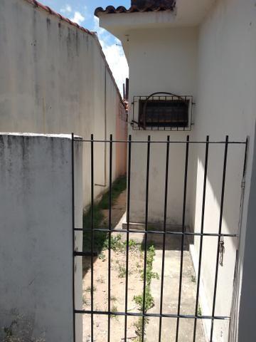 Aluga-se excelente casa em Pau Amarelo - Foto 5