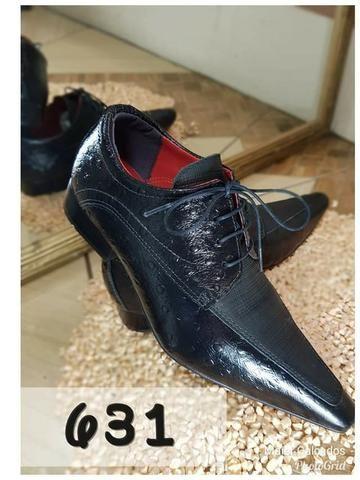 cdc931ac2 Sapato social masculino bico fino croco preto e nobuk preto (35 ao 45)
