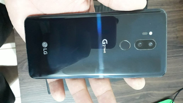 Vendo ou troco  LG G7 THINQ