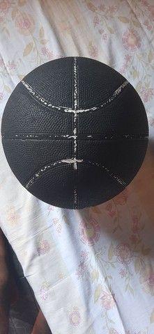 Bola de Basquete Adidas  - Foto 3