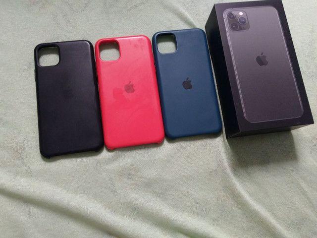 Vendo ou troco iPhone bateria 100% 11pro max 64g  R$ 6.000 - Foto 2