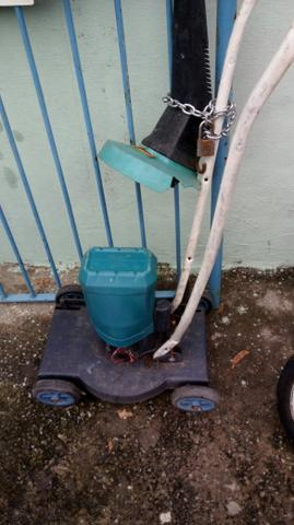 Um cortador de grama. valor de $400.00