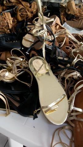 Venha conferir é nesse sábado peças a 1.00 e lindos sapatos novos 5.00 - Foto 3