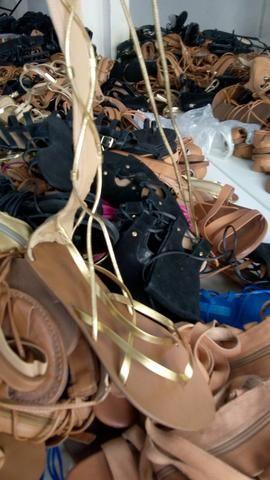 Venha conferir é nesse sábado peças a 1.00 e lindos sapatos novos 5.00 - Foto 4