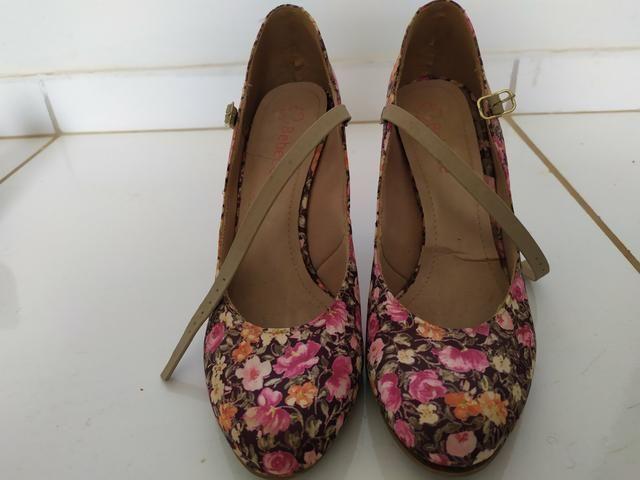 8 pares de sapato N. 39 - Foto 2
