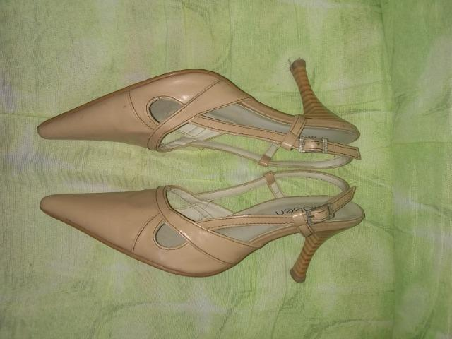 Sandália de salto leia a descrição - Foto 3