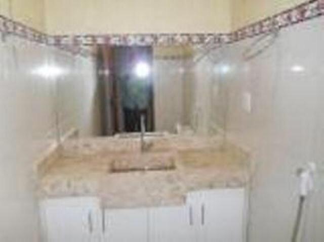 Vende-se imóvel com 2 casas geminadas - Foto 16