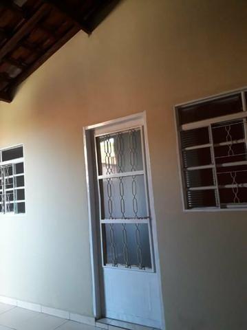 Aluga se casa 1 quarto,sala,cozinha,banheiro,lavanderia e área - Foto 2