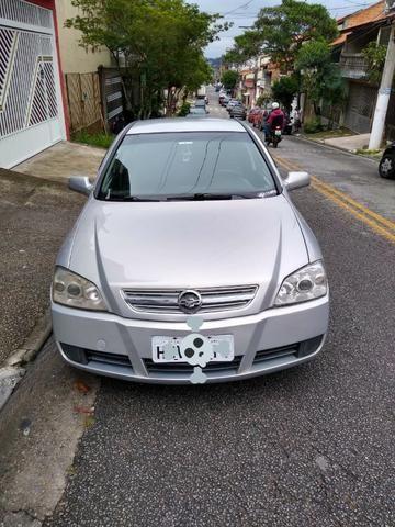 Astra Confort 2005 sedan 2.0 - Foto 2