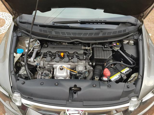 Vendo Honda Civic LXL 1.8 2011 manual Ótimo Preço - Foto 9
