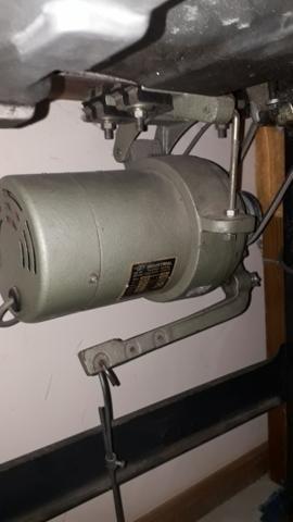 Máquina de costura reta industrial marca brother