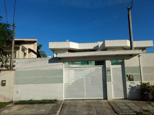 Linda casa em Itaipu com três suítes ampla sala, piscina, churrasqueira