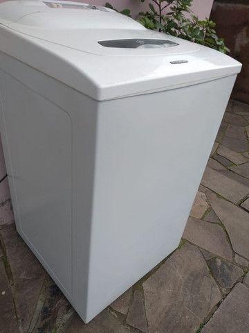 Maquina de lavar roupas seminova, pintura nova - Foto 2
