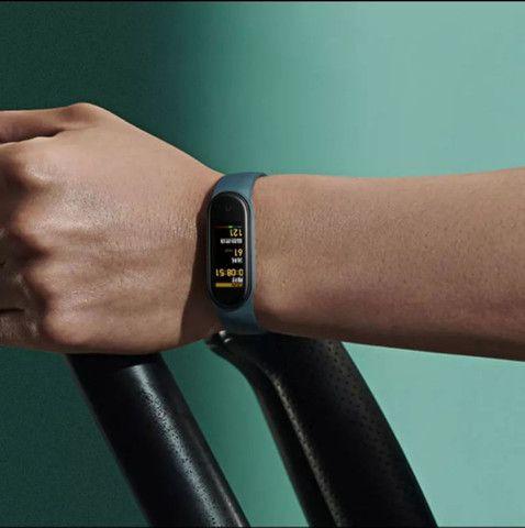 Smartwatch Mi Band 5 Xiaomi Original Versão Global - Foto 6