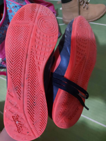 Tênis de futsal e chuteira  - Foto 6